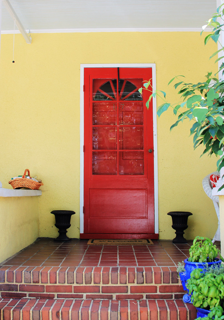 annapolis red door on yellow house 610 | p taylor | flickr