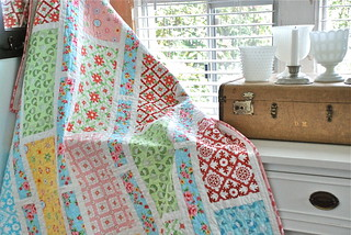Project Rectangle - aka Rectangle Reverie (photo & machine quilting  by Sarah Murray of AnyoneCanQuilt.com) | by Happy Zombie