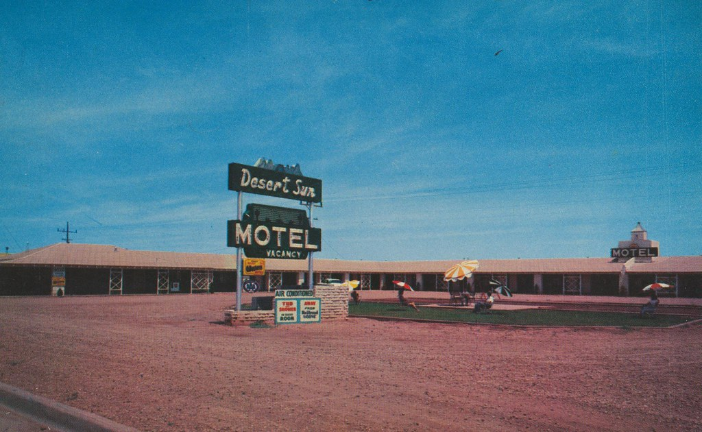 Desert Sun Motel - Winslow, Arizona