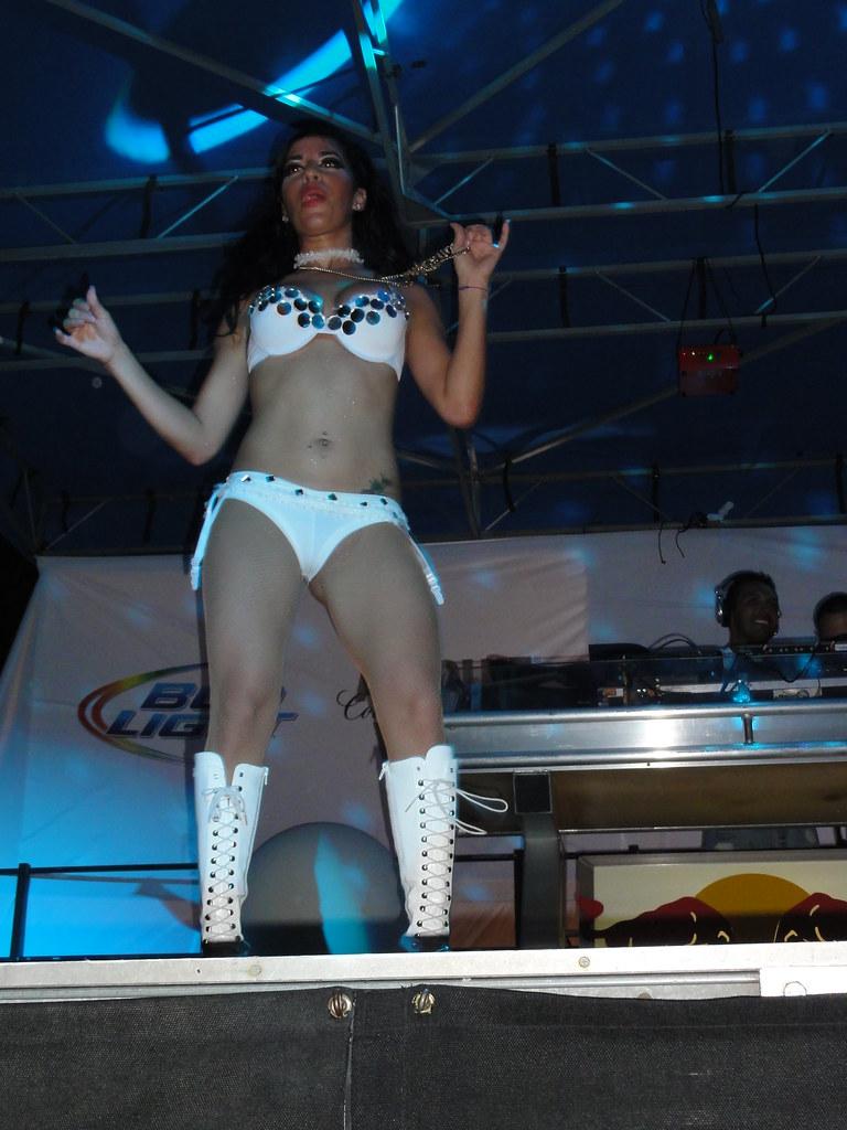 Latinas in miami beach