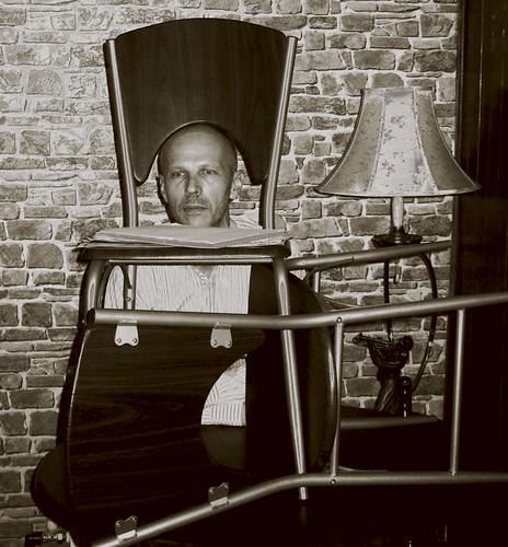 Eug ne ionesco les chaises self portrait savl ukr for Les 3 suisses chaises