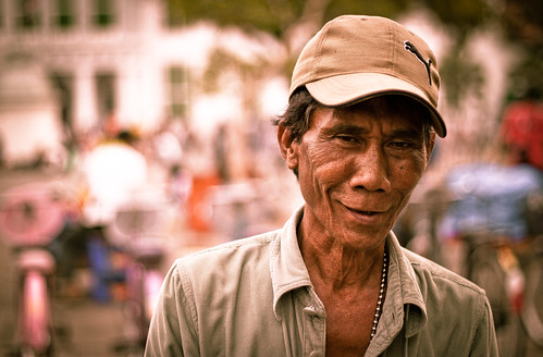 """Smile Even When You Don't Want To"" - Jakarta's Faces #9 