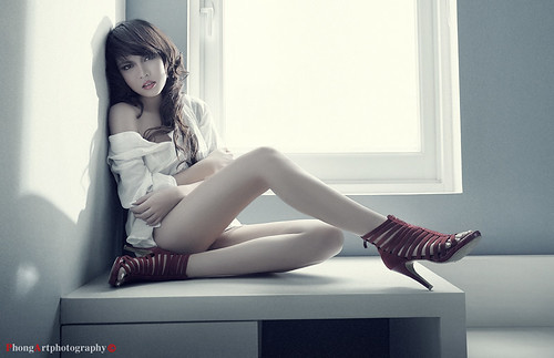 Model: Thao | by PhongArt.com
