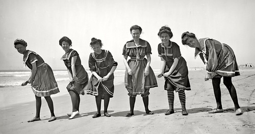 1910-Ladies wring out their Swim Suits | by ozfan22