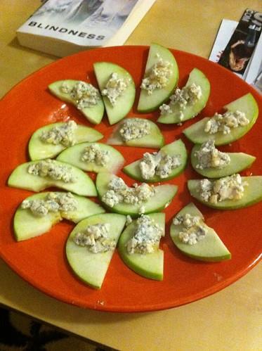 Easy appetizer: granny smith apples, gorgonzola, honey | by brittney