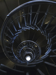 Spiral stairs, London Monument | by Richard Wintle