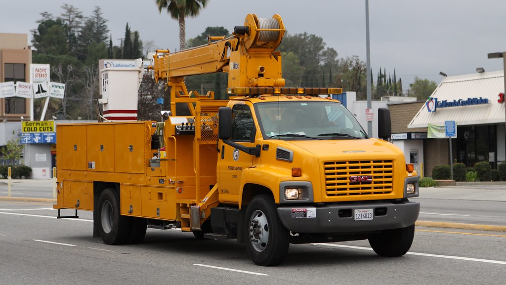 ... City of Los Angeles Bureau of Street Lighting GMC C7500 Bucket Truck | by Have Fun & City of Los Angeles Bureau of Street Lighting GMC C7500 Buu2026 | Flickr azcodes.com