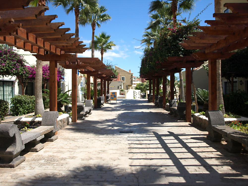 Family Hotel Isabel Costa Adeje Shaded Walkways Weave Thr Flickr