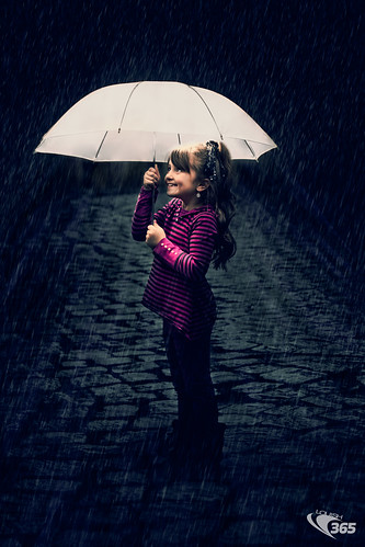 Under the umbrella 071/365 | by Louish Pixel