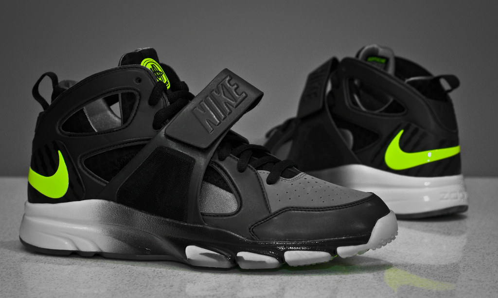 077436f23bec9 Buy Nike Zoom Huarache Tr Mid