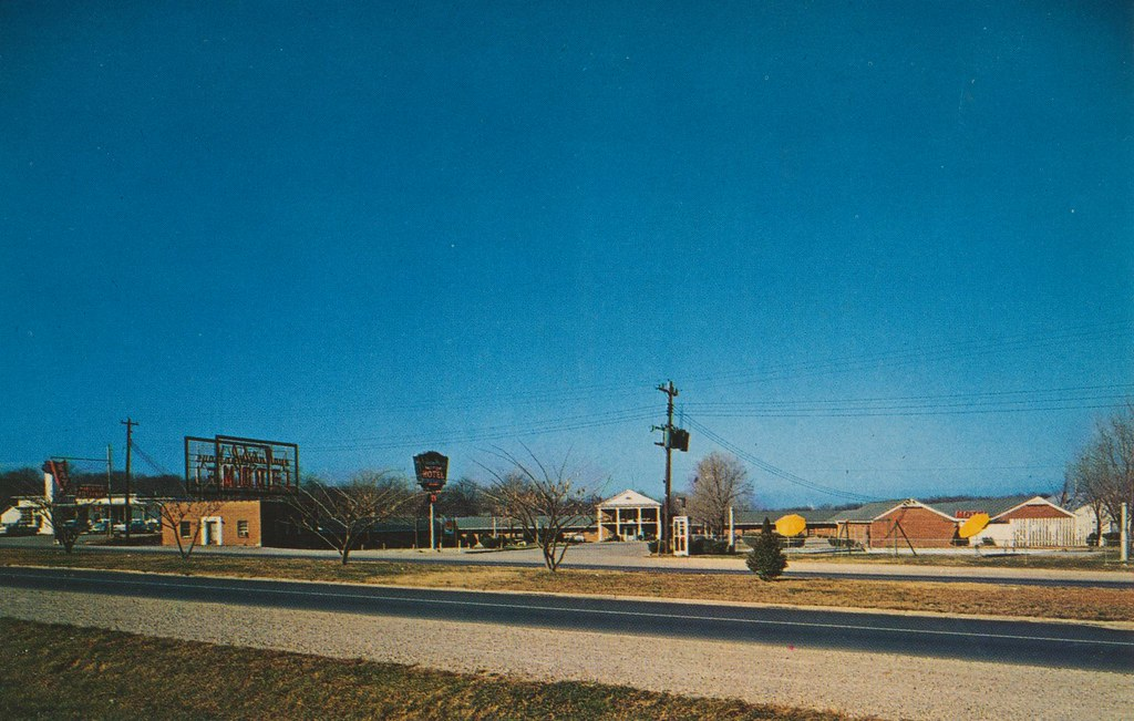 Julian Mays' Motor Hotel - Columbia, Tennessee