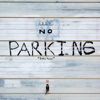 """1324"" NO PARK I N6 ""CARS TOWED"" 