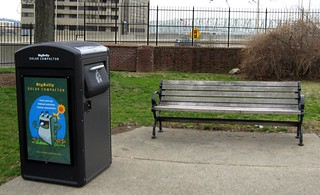 Big Belly Solar Compactor in Lytle Park | by elycefeliz