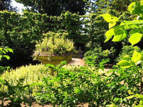The Garden of St John's Lodge, Regent's Park | by Laura Nolte