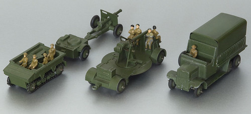 dinky toys artillery pieces david busfield flickr. Black Bedroom Furniture Sets. Home Design Ideas