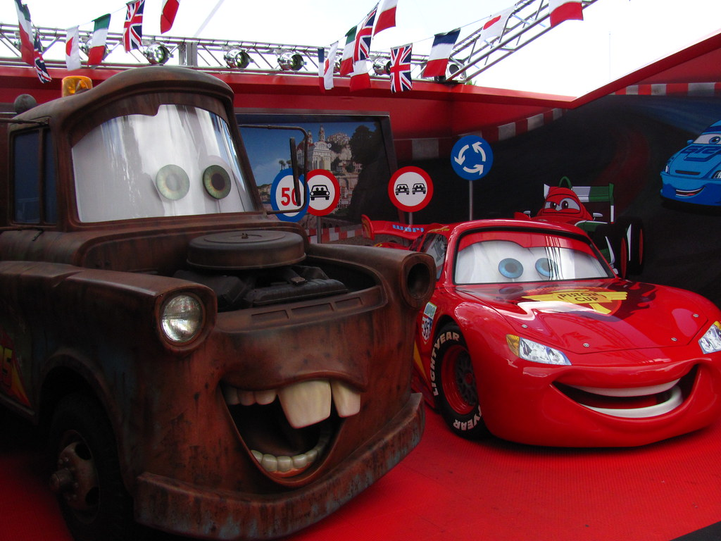 Meeting mater and lightning mcqueen at the cars 2 meet and flickr meeting mater and lightning mcqueen at the cars 2 meet and greet area kristyandbryce Choice Image