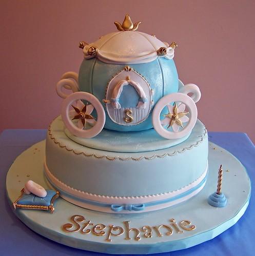 I Love Cake Design Fiorella : Cinderella themed cake - carriage I love doing girly ...