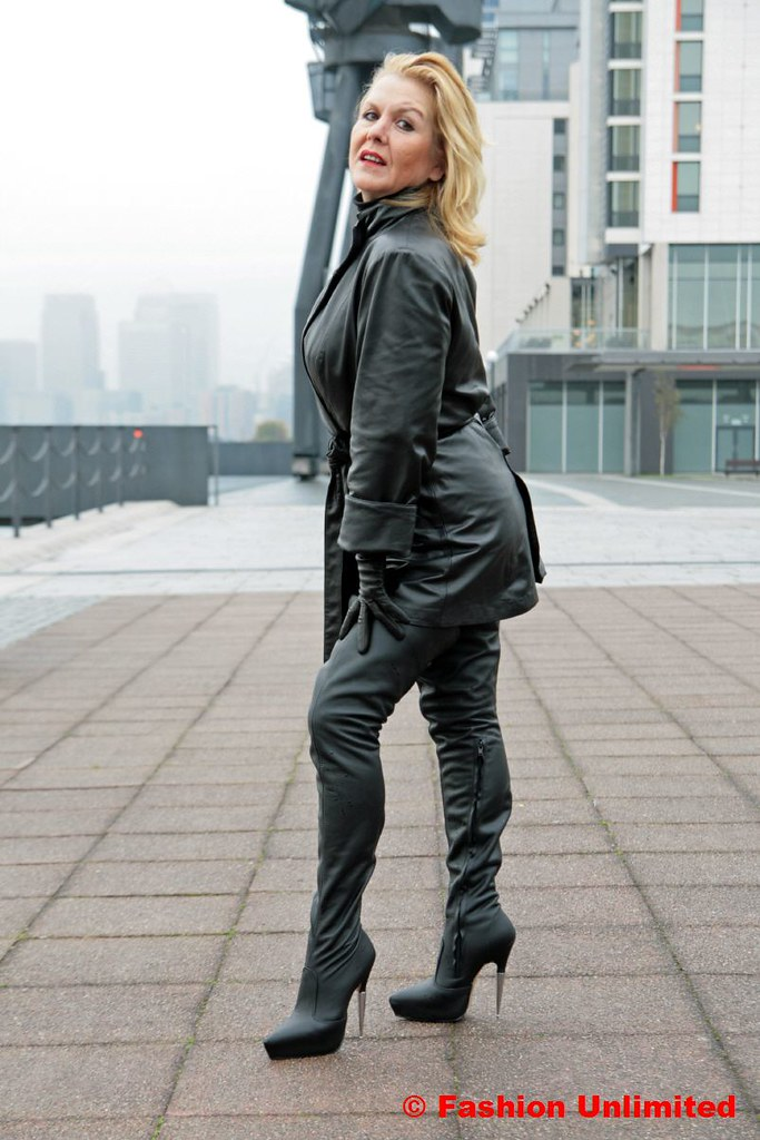 Women In Boots And Leather - Yu Boots
