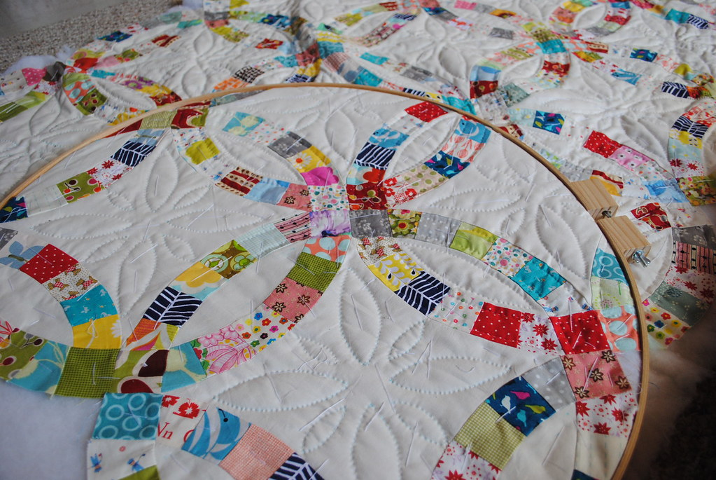 Double Wedding Ring quilt | The hand-quilting is slow in pro… | Flickr : pictures of double wedding ring quilts - Adamdwight.com