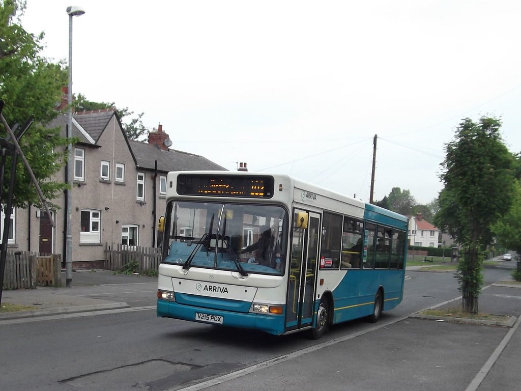 Portobello, Wakefield | V215PCX Dennis Dart MPD at Duke of Y… | Flickr