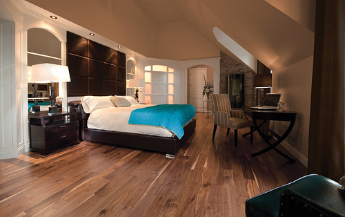 Knotty Walnut Natural [bedroom] | by Mirage floors