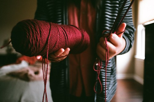 Teach me how to knit | by Laura Praseutkoun.