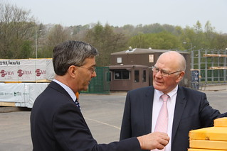 Sir Menzies Campbell visits Oregon Timber Frame Ltd in Sel