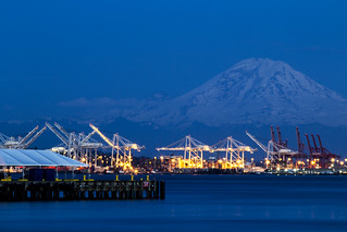 Port of Seattle's shipping terminals with Mount Rainier | by tiffany98101
