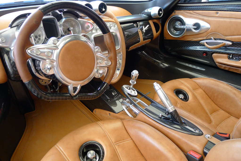 Pagani Huayra Interior This Is The Amazingly Futuristic Lo Flickr