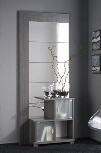 Mueble auxiliar con espejo en un estilo moderno este for Mueble auxiliar moderno