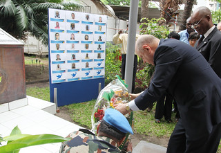 SRSG Roger Meece laying a wreath in honor of plane crash victims | by MONUSCO
