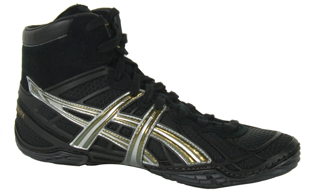 ac11db199874d ... Asics Dan Gable Ultimate 2 Wrestling shoe in Silver and Black 5