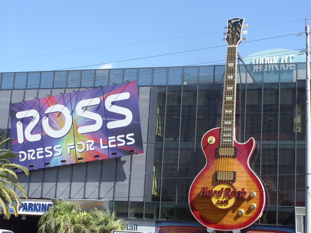 Giant Gibson Les Paul Guitar On The Hard Rock Cafe Next To Flickr