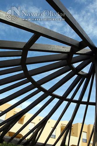 Estructuras de madera circular con el cielo de vera flickr - Estructura madera laminada ...
