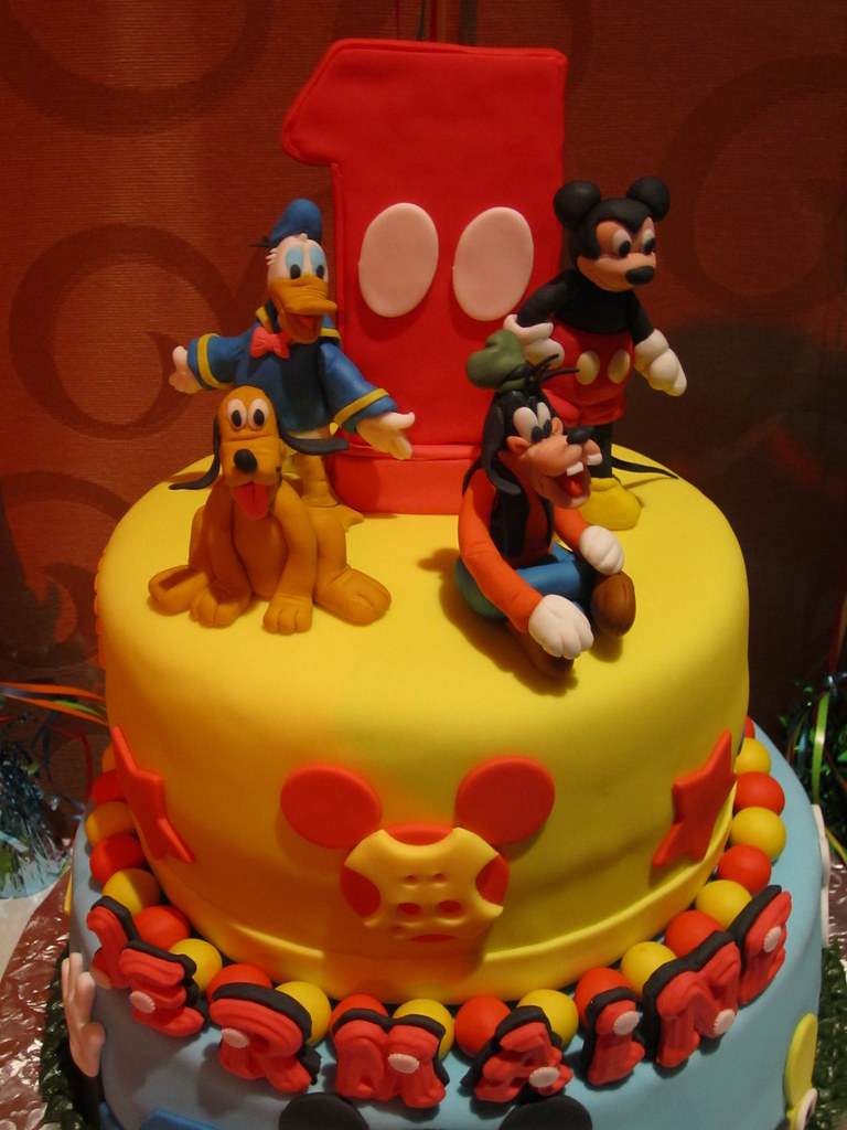 Birthday Cake With Mickey Donald Duck Goofy And Pluto Flickr