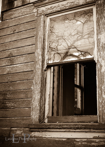 Abadoned Home 4 | by Bevland2010