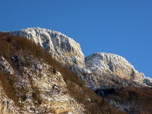 Savoie sentier du garde au pied du mont revard flickr for Mont revard