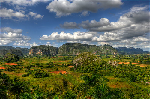 view over the Vinales valley | by Romtomtom