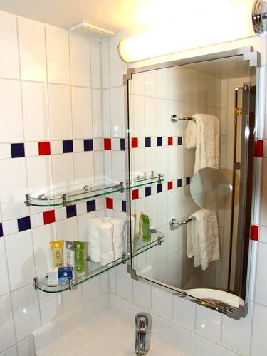 Disney Dream - Second Sink in Split Bathroom | This is the ...
