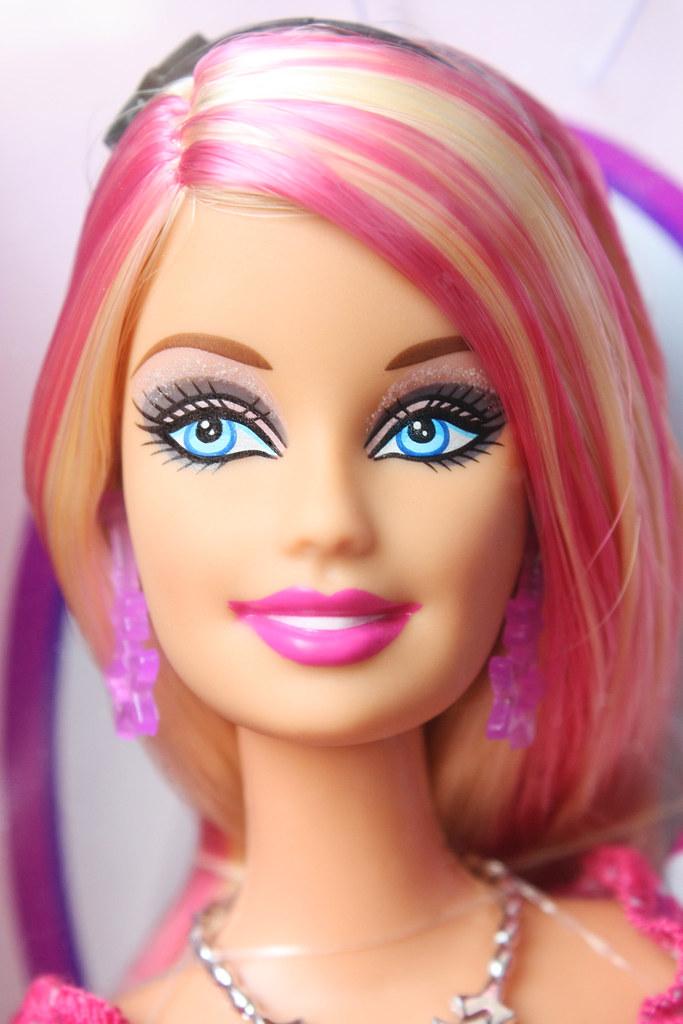 Barbie fashionistas sassy shops for makeup doll 55