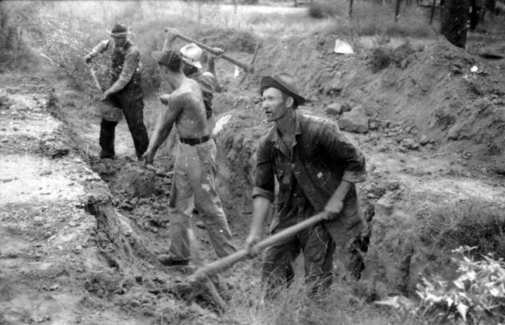 Man digging clipart - ClipartFest