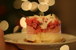 Raspberry white chocolate mousse. | by verslibre