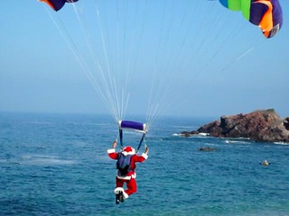 Parachuting Santa Procession | by jurvetson