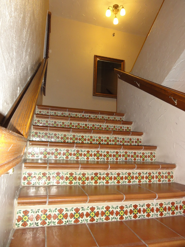 Gentil ... Stairs With Spanish Ceramic Tile Design | By RYANISLAND