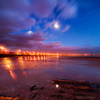 Ardrossan beach in moonlight 19-01-11 | by Peter Ribbeck