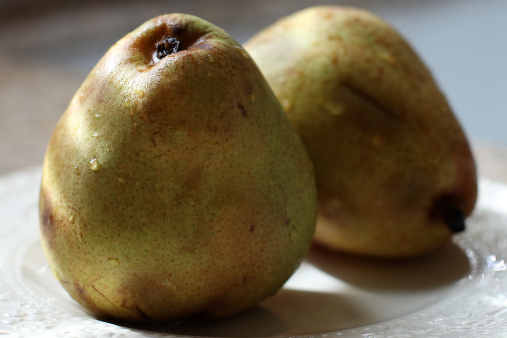 Christmas Pears.Last Of The Christmas Pears 005 365 We Love To Order Pea