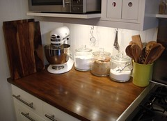 White KitchenAid Stand Mixer | Iu0027m Going Neutral On All Of Ou2026 | Flickr