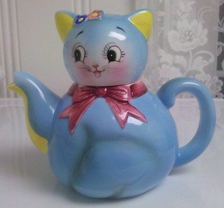 Norcrest/PY Blue Cat Teapot | by Cathygio