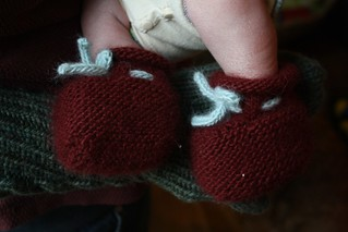 quickly knit booties | by by hand at home