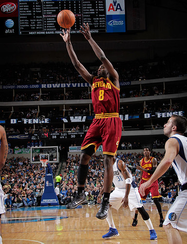 Eyenga Shoots | by Cavs History